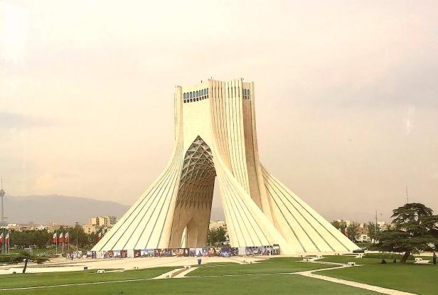 Teheran, Torre Azadi.