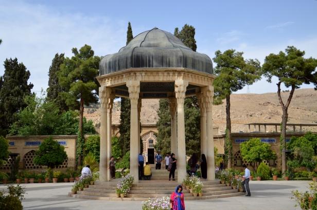 Shiraz, Mausoleo del poeta Hafez.