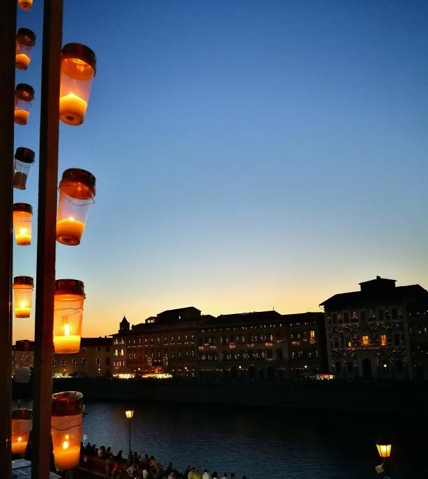 La Luminara fotografata dal balcone di Palazzo Blu.