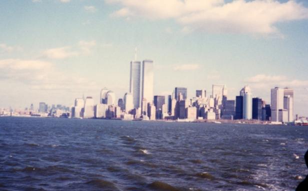 1997 Foto scattata dalla Liberty Island con le Torri gemelle.