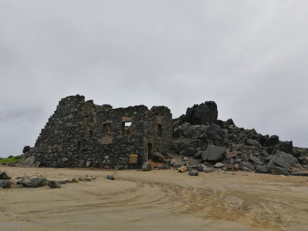 Antiche rovine della fonderia d'oro di Bushiribana.