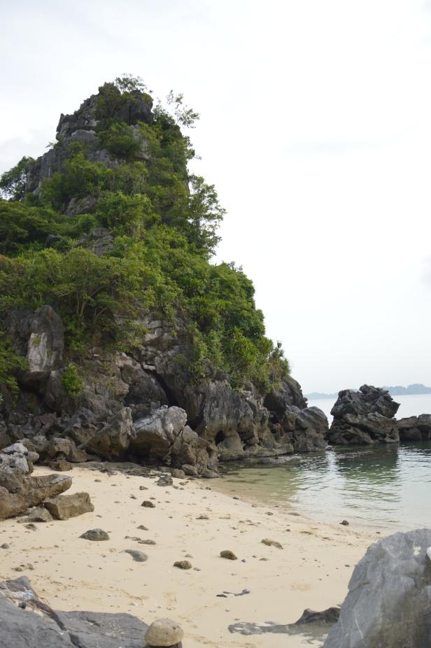 Baia di Ha Long, spiaggia.