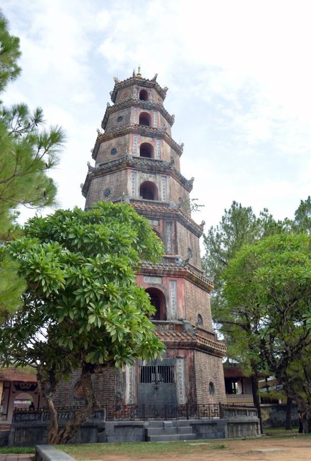 La torre Thap Phuoc Duyen, presso la Thien Mu Pagoda a Hué.