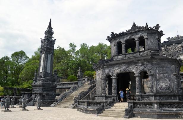 Tomba imperiale di Khai Dinh, Hué.