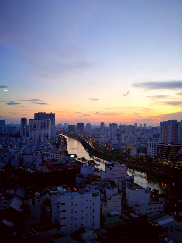 Ho Chi Minh, ultimo tramonto in Vietnam.