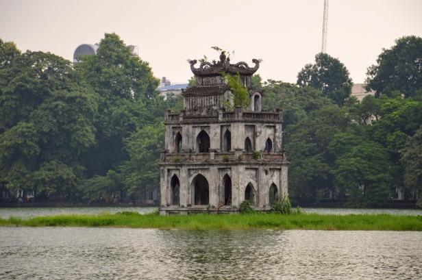 Torre della tartaruga, lago Hoan Kiem ad Hanoi.