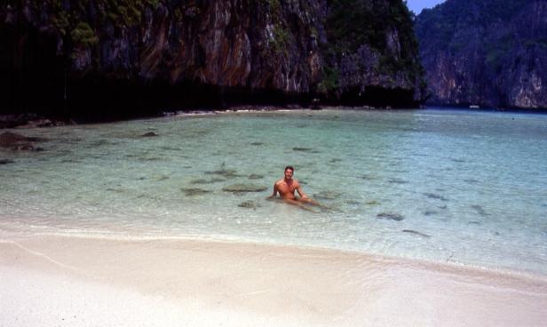 """Phi Phi Island, la famosa spiaggia del film """"The beach""""."""