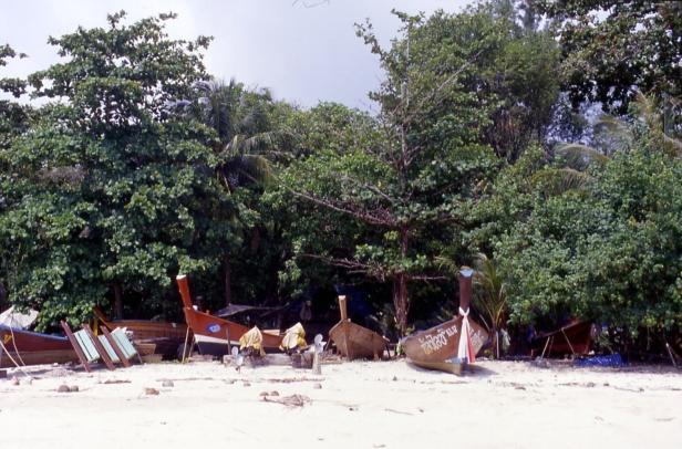 Phuket, ottobre 2004.