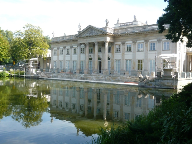 """""""Parco Lazienki"""", Palazzo sull'acqua, retro."""