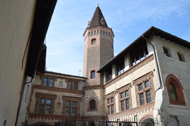 Il Priorato della Chiesa Collegiata dei Santi Pietro e Orso.