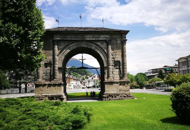 Arco di Augusto, Aosta.