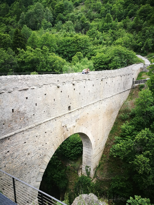 Ponte acquedotto romano di Pondel.