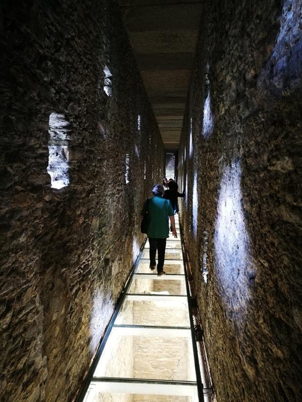 Ponte acquedotto romano di Pondel, interno.