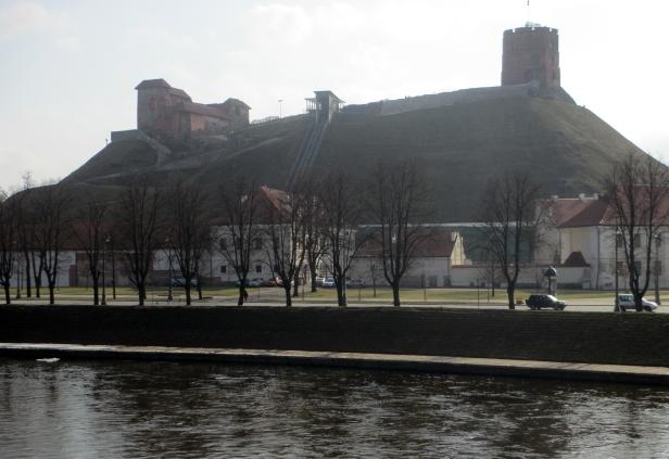 Collina con i resti di un forte medievale, Vilnius.