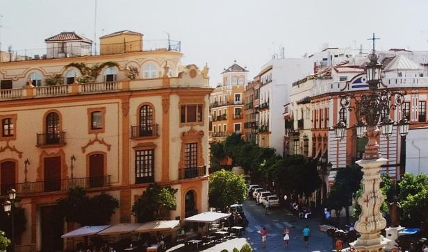 Plaza Virgen de los Reyes.