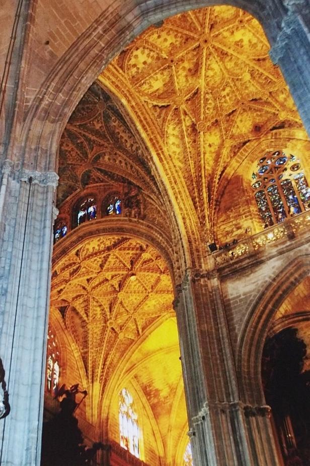 Cattedrale, interno.