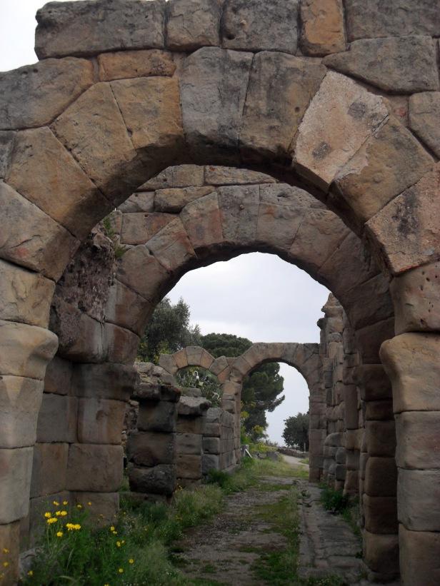 Basilica, Ginnasio di Tindari.