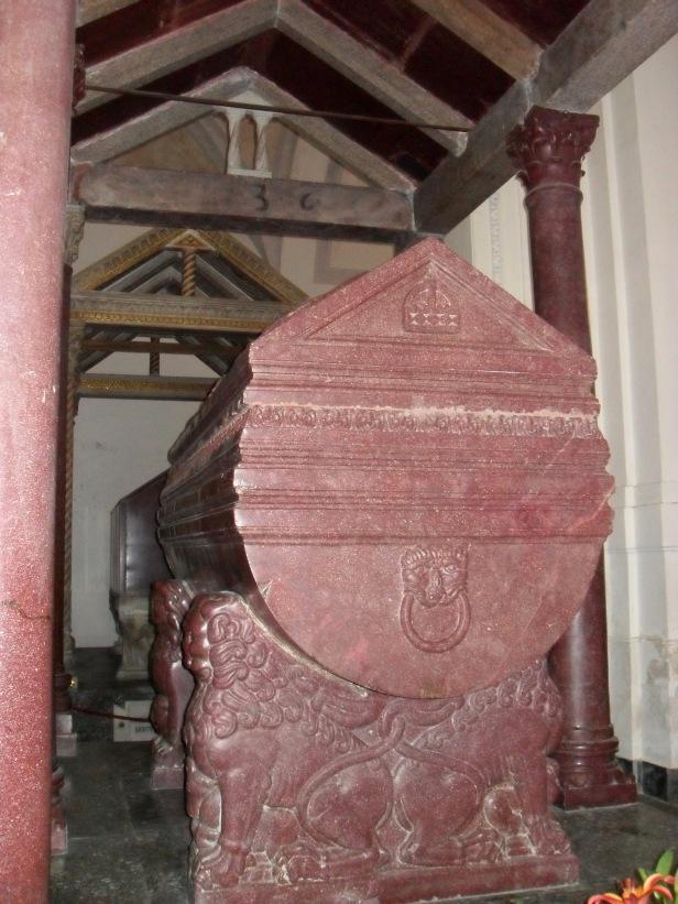 Sarcofago di Federico II di Svevia.