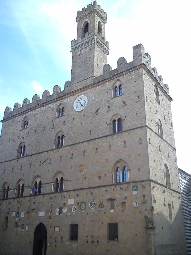 Palazzo dei Priori.