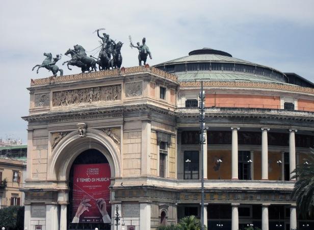 Teatro Politeama.