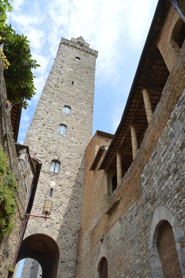 La Torre grossa o torre del Podestà.