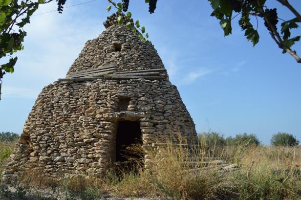 """Il """"pajaro"""": il cugino salentino dei famosi trulli, un esempio rarissimo nel nord dell Puglia."""