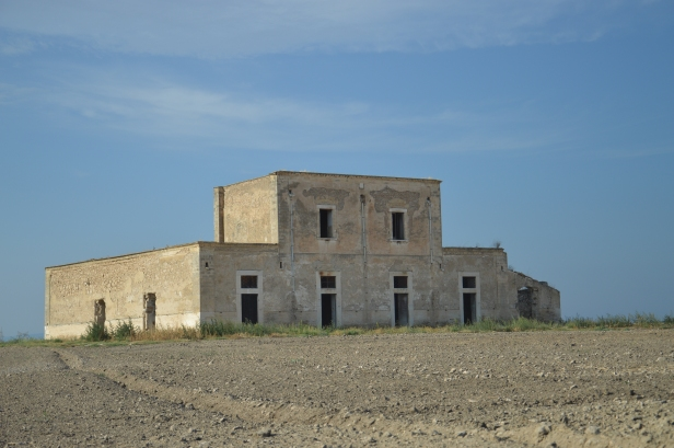 Masseria abbandonata in Contrada Santa Maria.