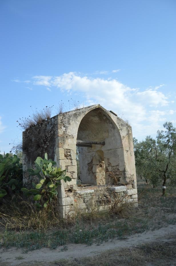 Cappella privata nei pressi di un'altra masseria abbandonata in contrada Santa Maria.