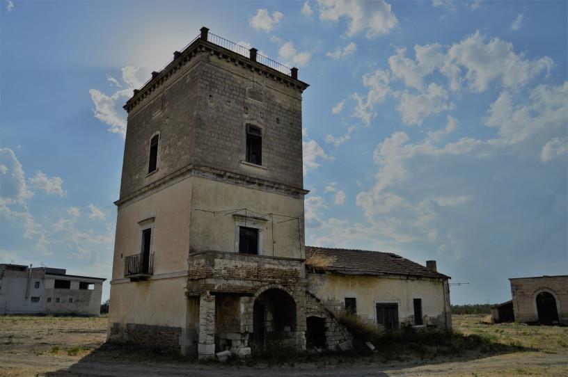 Santa Maria dei Manzi, il palazzetto principale.